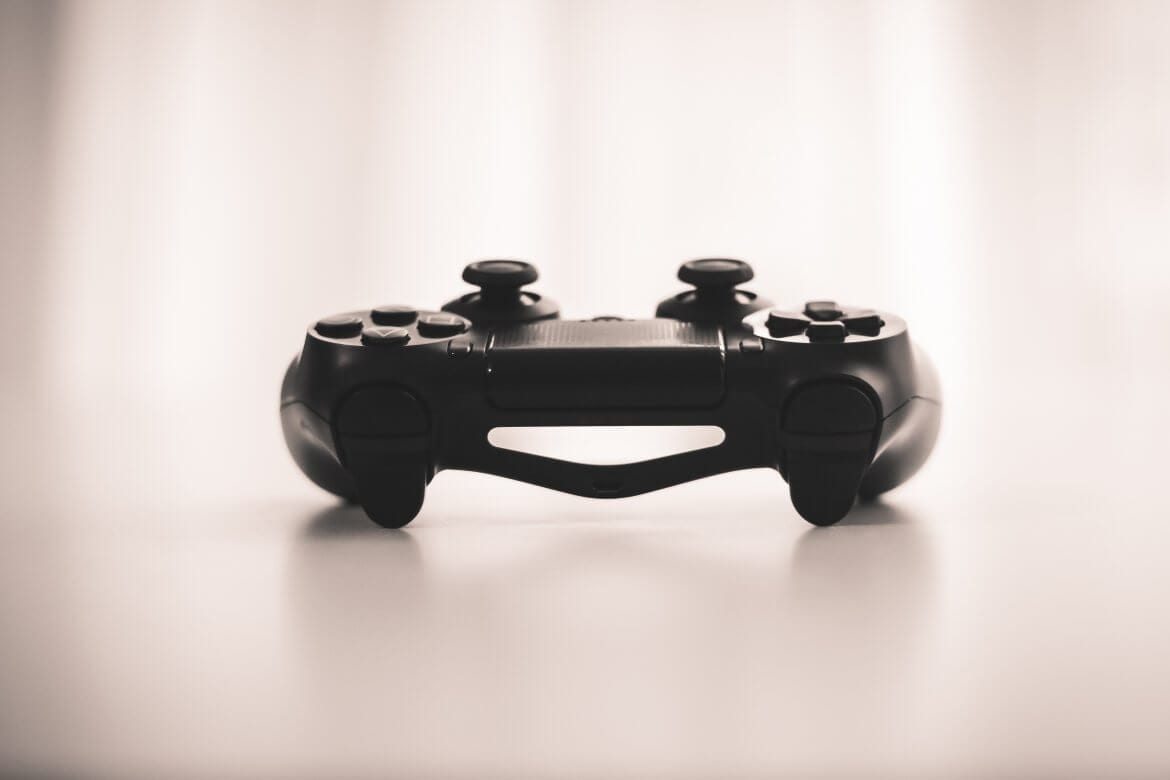 YouTuber Boosts Blockchain Gaming Platform Subscribers